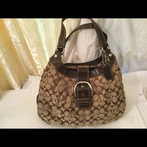 Coach Lynn Soho Hobo 3 Compartment Shoulder Bag